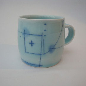 mug 32 - 4 Artist: Motofumi Shinohara Dia: 8.9cm, H: 8cm £23.75