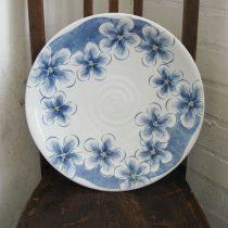 large dish 24 - 1 Artist: Tazuko Hatayama Dia: 36.5cm, H: 5cm Price: £100