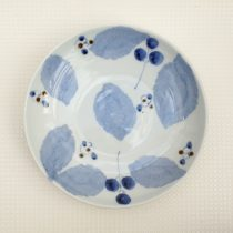 blue leaf plate 30 - 1 Artist: Koutarou Mori Dia: 21.5cm Price: £13